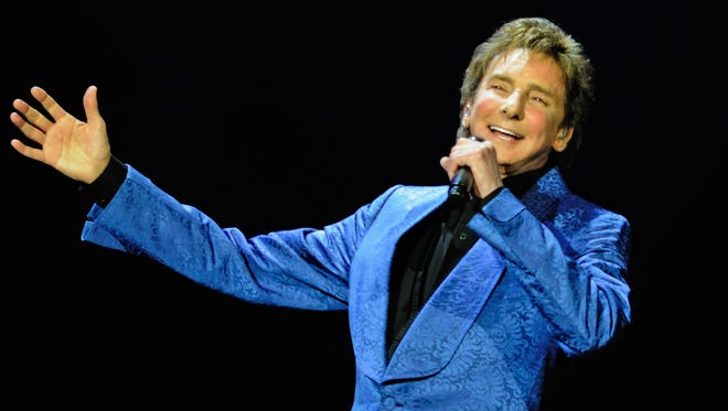 """Fox announcer Tim McCarver said Barry Manilow used to hear chants of """"Barry! Barry! Barry!"""" at AT&T Park."""