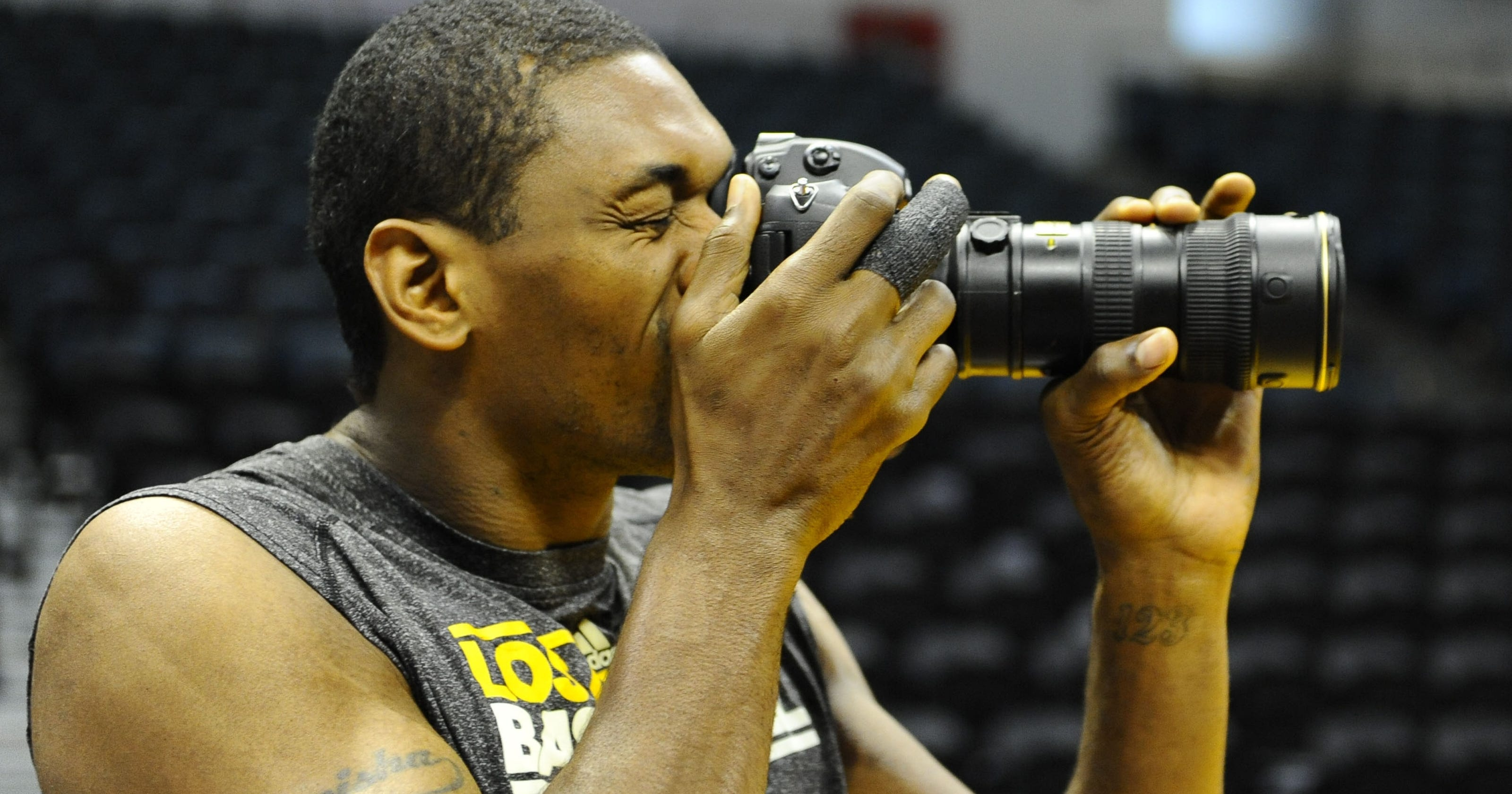 6d82d9a71 Video  Metta World Peace gets therapy from children