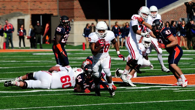 Running back D'Angelo Roberts, running in the  second half, helped Indiana beat Illinois 31-17.