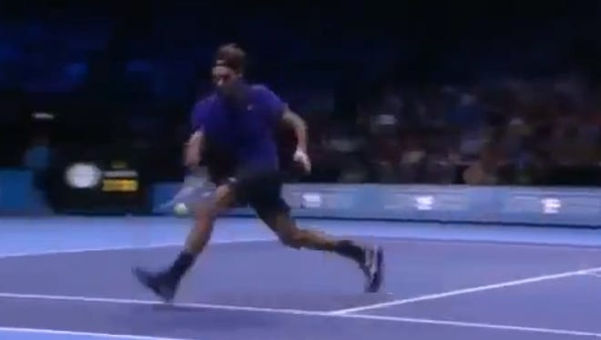 Roger Federer's brilliant, set-tying shot