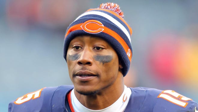 Chicago Bears receiver Brandon Marshall leaves the field after his team's 28-10 win against the Minnesota Vikings on Sunday.