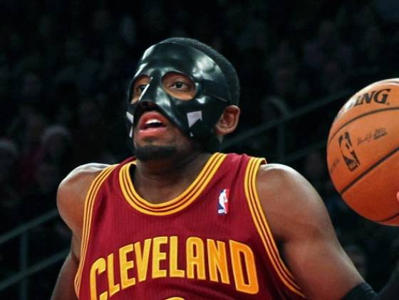 2012-12-15 Kyrie Irving Zorro mask