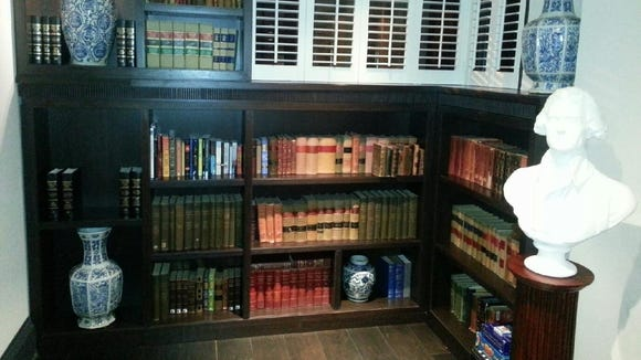 Hotels add libraries for gadget-laden guests