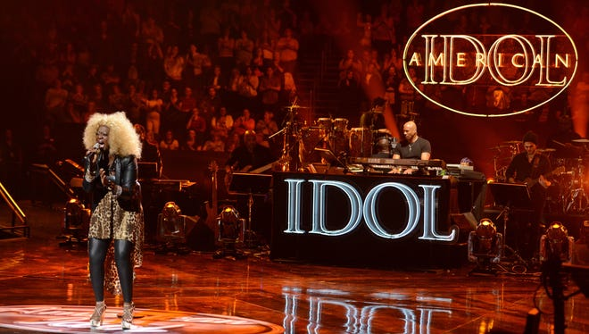 Zoanette Johnson performs during Wednesday's Sudden Death Round of 'American Idol.'