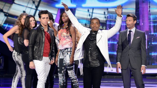 AMERICAN IDOL: Burnell Taylor (Center) is eliminated on AMERICAN IDOL Thursday, April 4, on FOX.