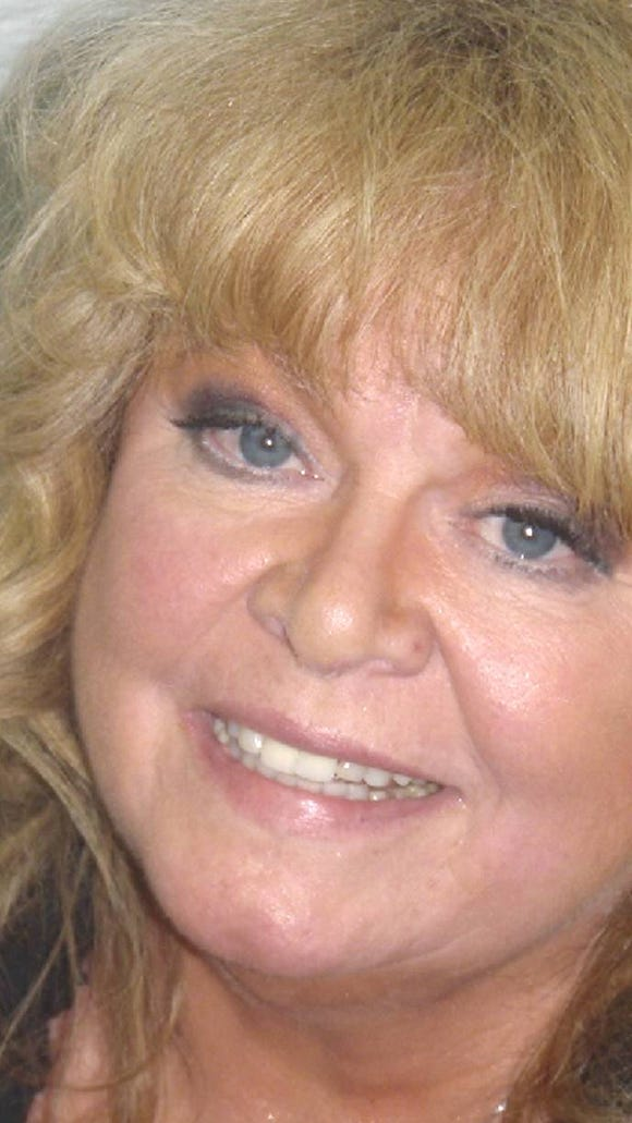 Sally Struthers Married, Husband, Net Worth, Children ...