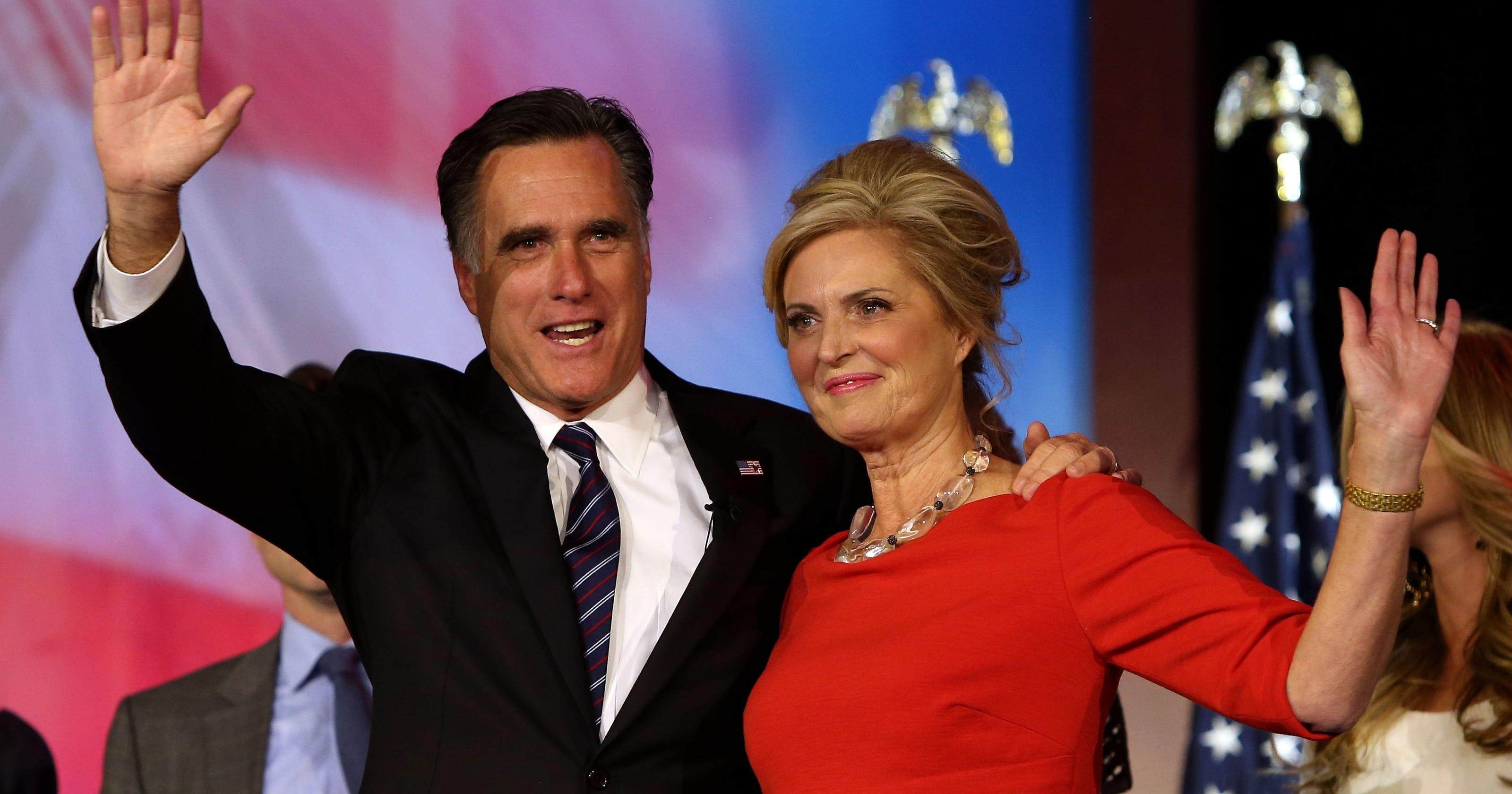 Mitt Romney Loads Up At Costco