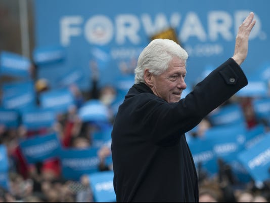 clinton-forward