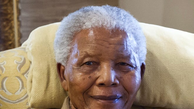 Former South African president Nelson Mandela was visited by Bill Clinton on his 94th birthday.