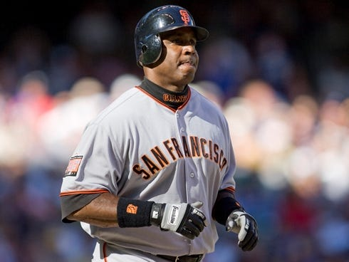 7/21/07 2:03:06 PM -- Milwaukee, WI, U.S.A San Francisco Giants slugger Barry Bonds fails to get a hit as he remains 2 runs behind Hank Aaron's record while facing the Milwaukee Brewers.  Photo by John Zich, USA TODAY contract photographer   ORG XMIT