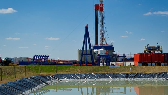 A Department of Energy study has found that chemical-laced water used to free gas trapped deep underground did not contaminate the drinking water closer to the surface.