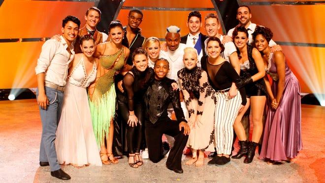 The top 16 perform live for the first time this season on 'So You Think You Can Dance.'
