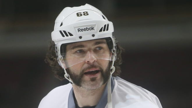 Jaromir Jagr's next stop is with the New Jersey Devils, according to an ESPN.com report