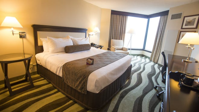 The newly renovated Crowne Plaza hotel hopes to draw visitors to downtown Detroit.