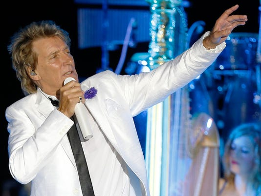 Rod Stewart extends Las Vegas show for two more years