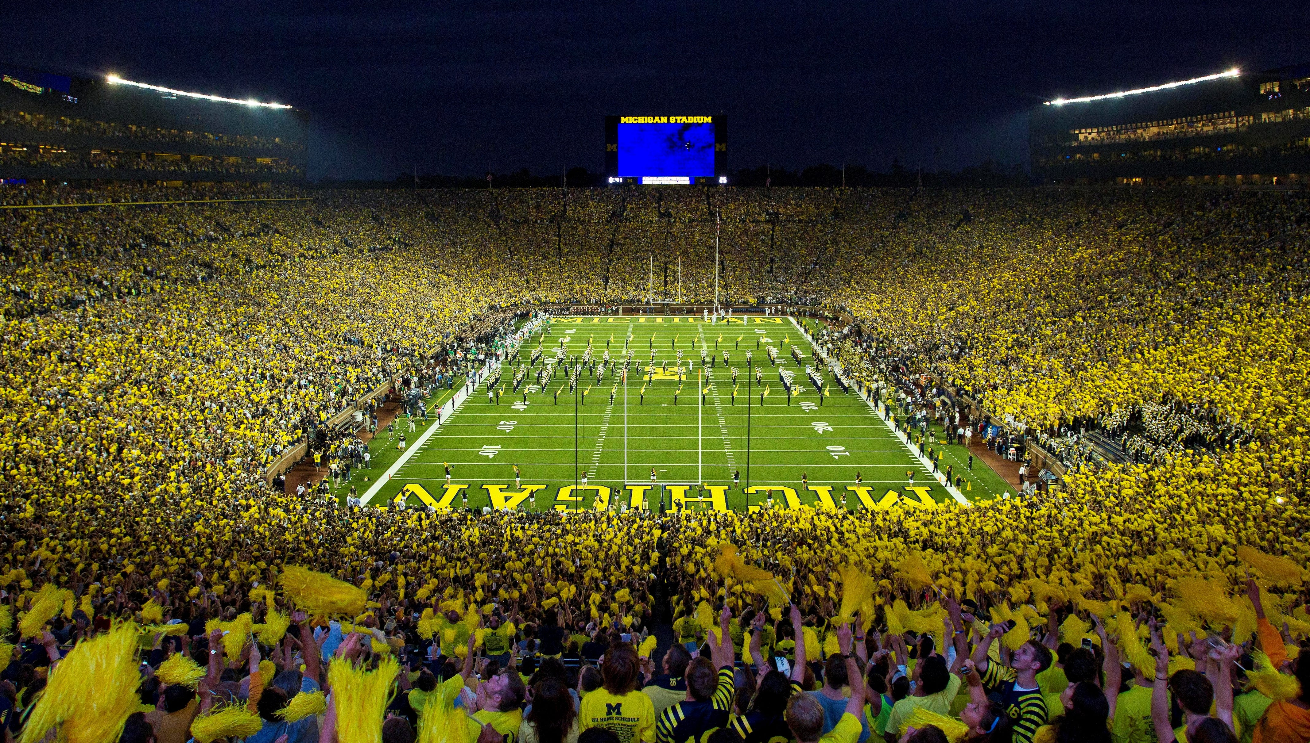 Michigan, Michigan State ADs don't think night game is a good idea
