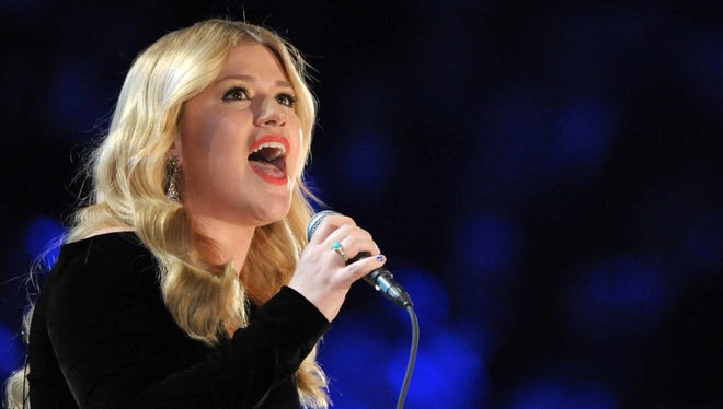 Kelly Clarkson at the Grammy Awards in February, wearing her replica Jane Austen ring.