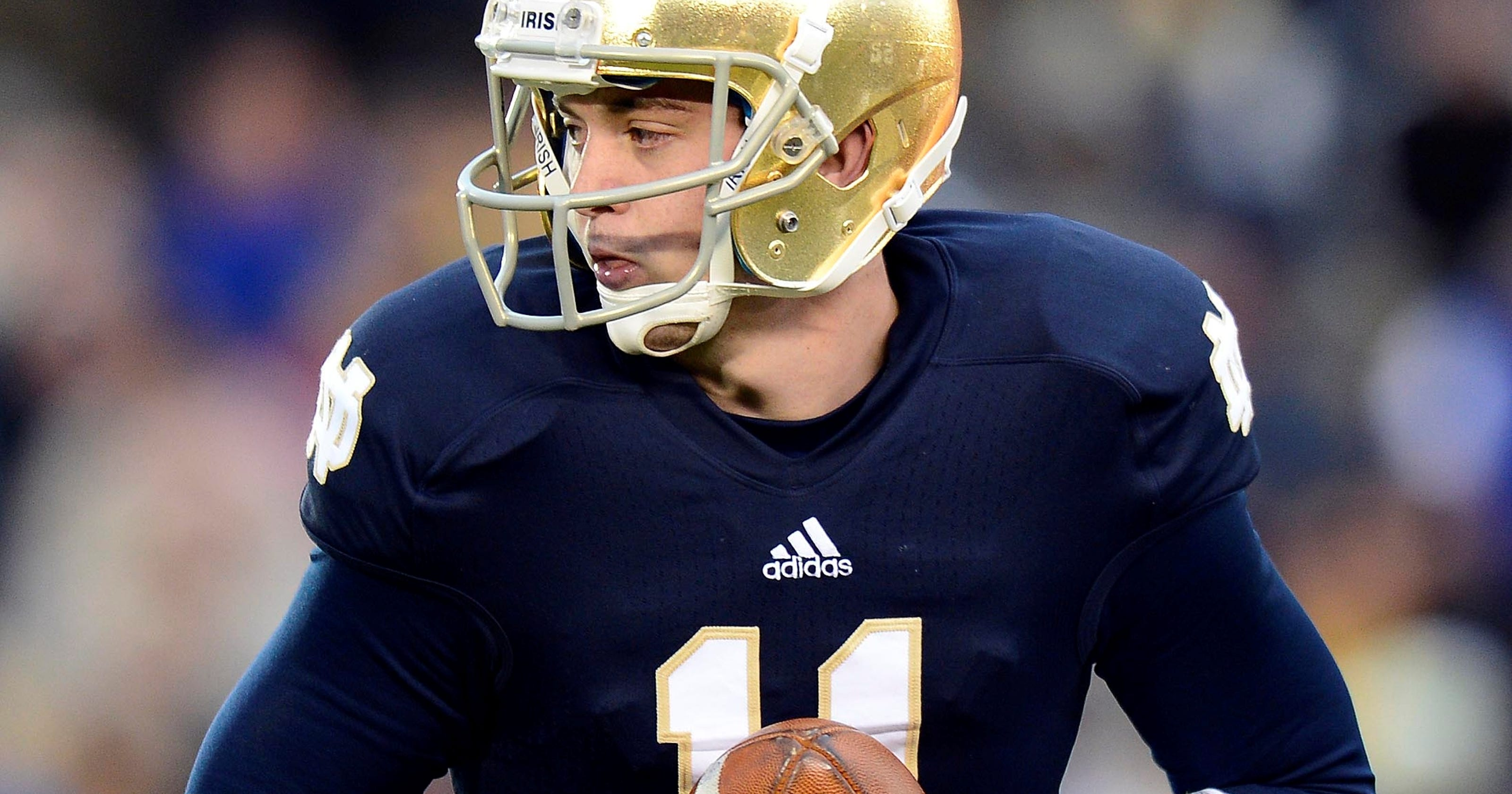 6e94c0ed785 What Notre Dame is doing at quarterback without Golson