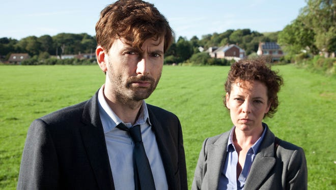 David Tennant plays Alec Hardy, a burnt-out London detective who has moved to the small seaside town of Broadchurch to rest, recuperate and run the local detective force, much to the disgust of Ellie Miller (Colman), who had been promised the job.