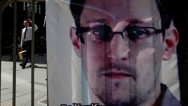 A banner supporting Edward Snowden in Hong Kong
