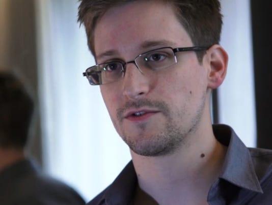 Cuba's Raúl Castro backs asylum offers for Snowden