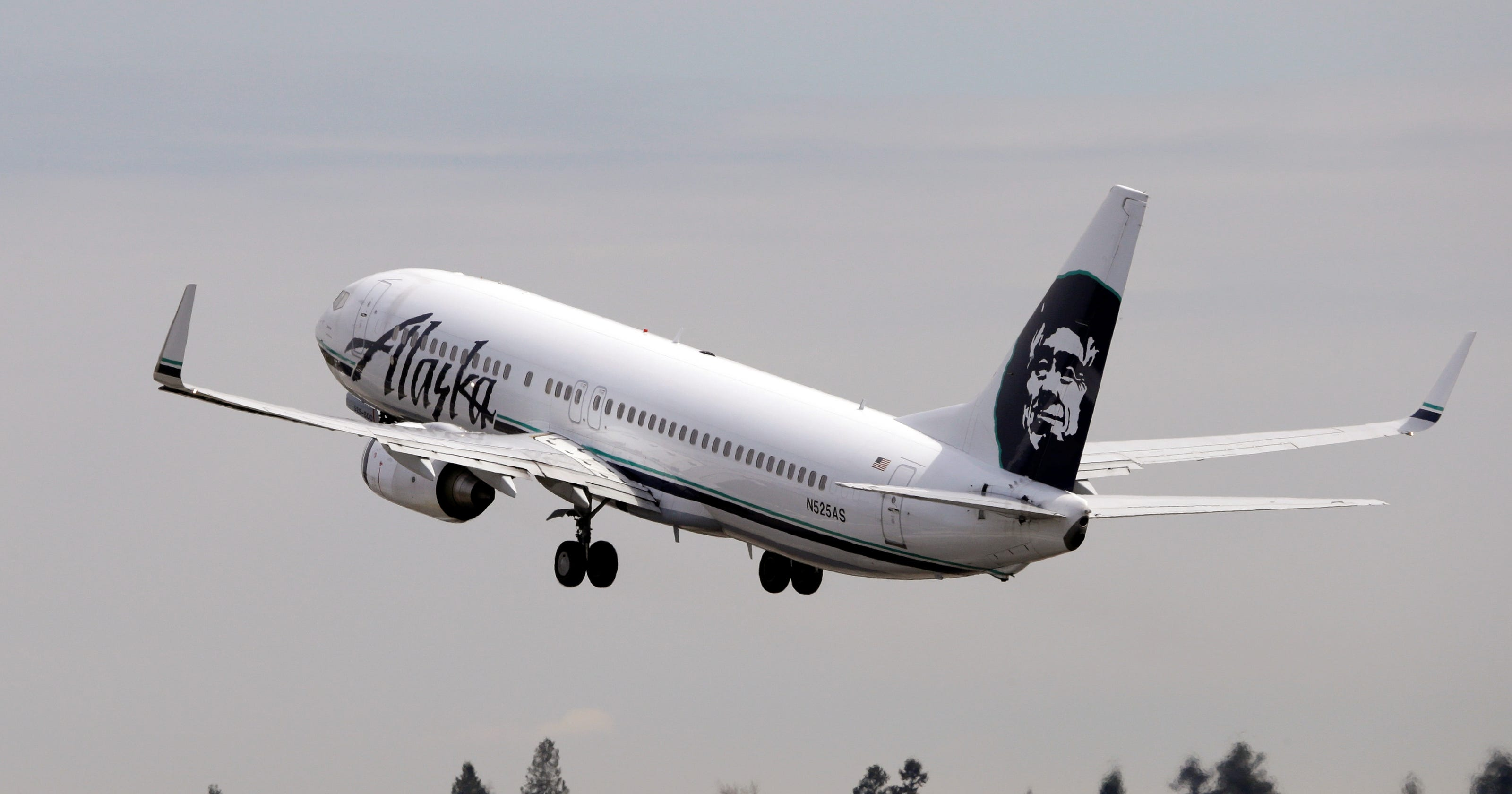 Alaska Airlines ups fees for checked bags, changes 0cbdd595f5