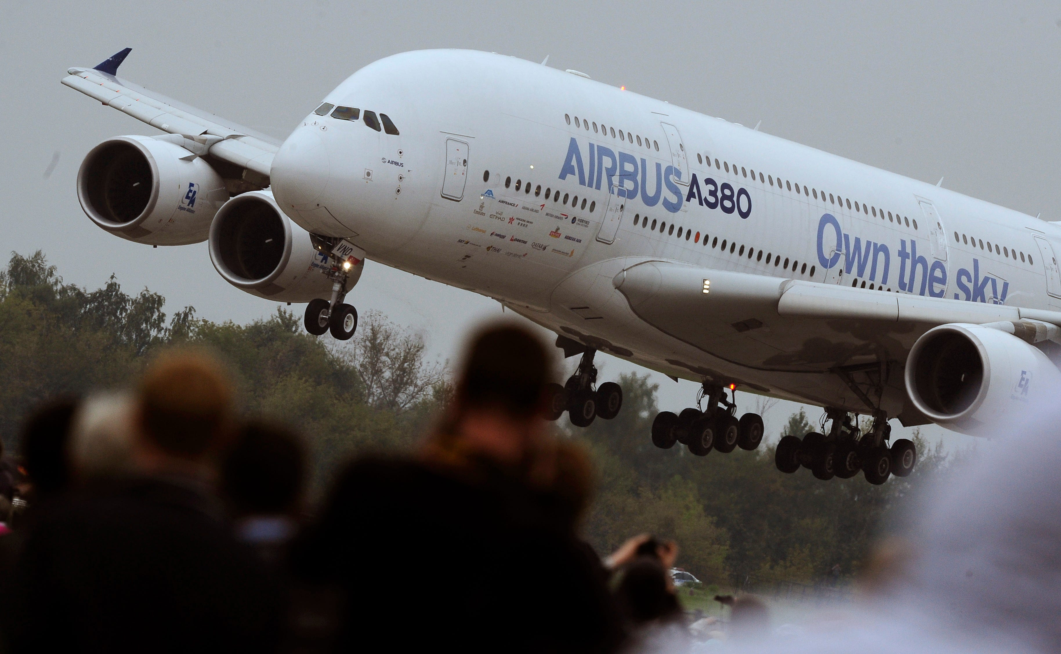 ����z-a:+�_at 652 seats, transaero\'s a380s could top all
