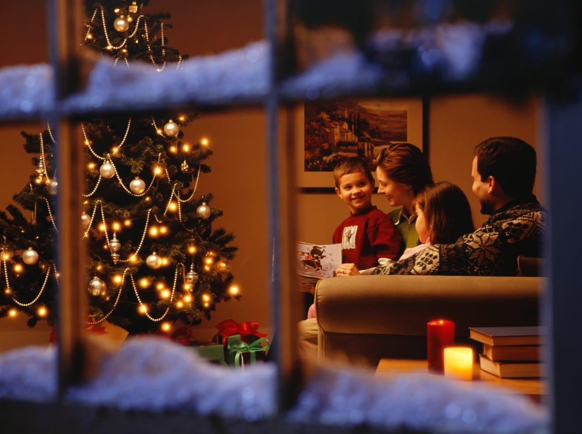 Sirius Xm Christmas Station.Siriusxm Begins 24 7 Christmas Music