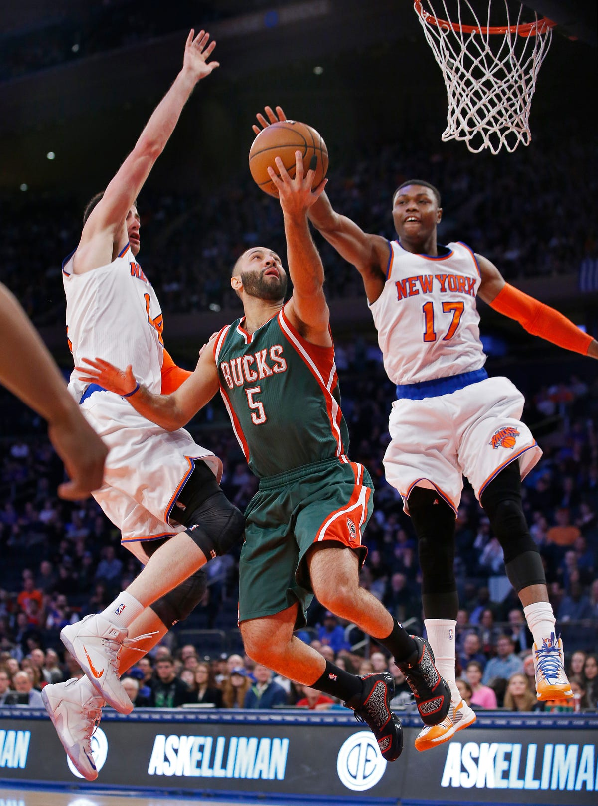 Westchester Knicks bring 16 players into training camp
