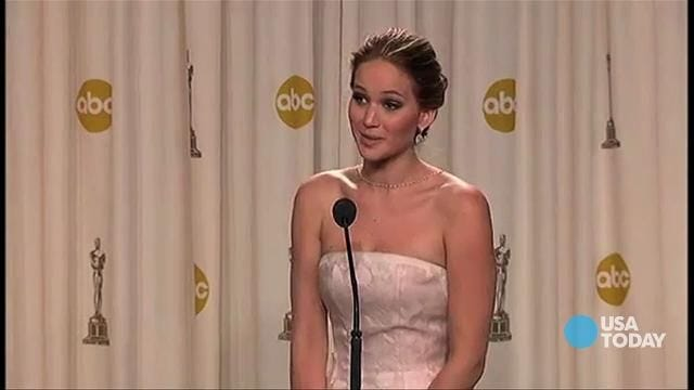 Jennifer Lawrence's hilarious reaction after falling at Oscars