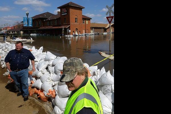 /media/USATODAY/USATODAY/2013/04/25/flood042513_002-1_1 jpg