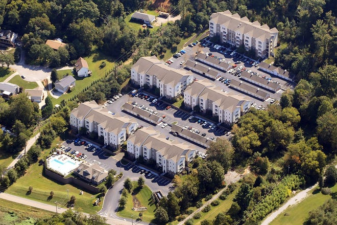 Evergreen at the Bluffs apartment complex in North Knoxville sold for $18 million to Hudson Capital Investments.
