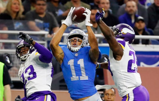 Marvin Jones catches a TD against the Vikings last season.