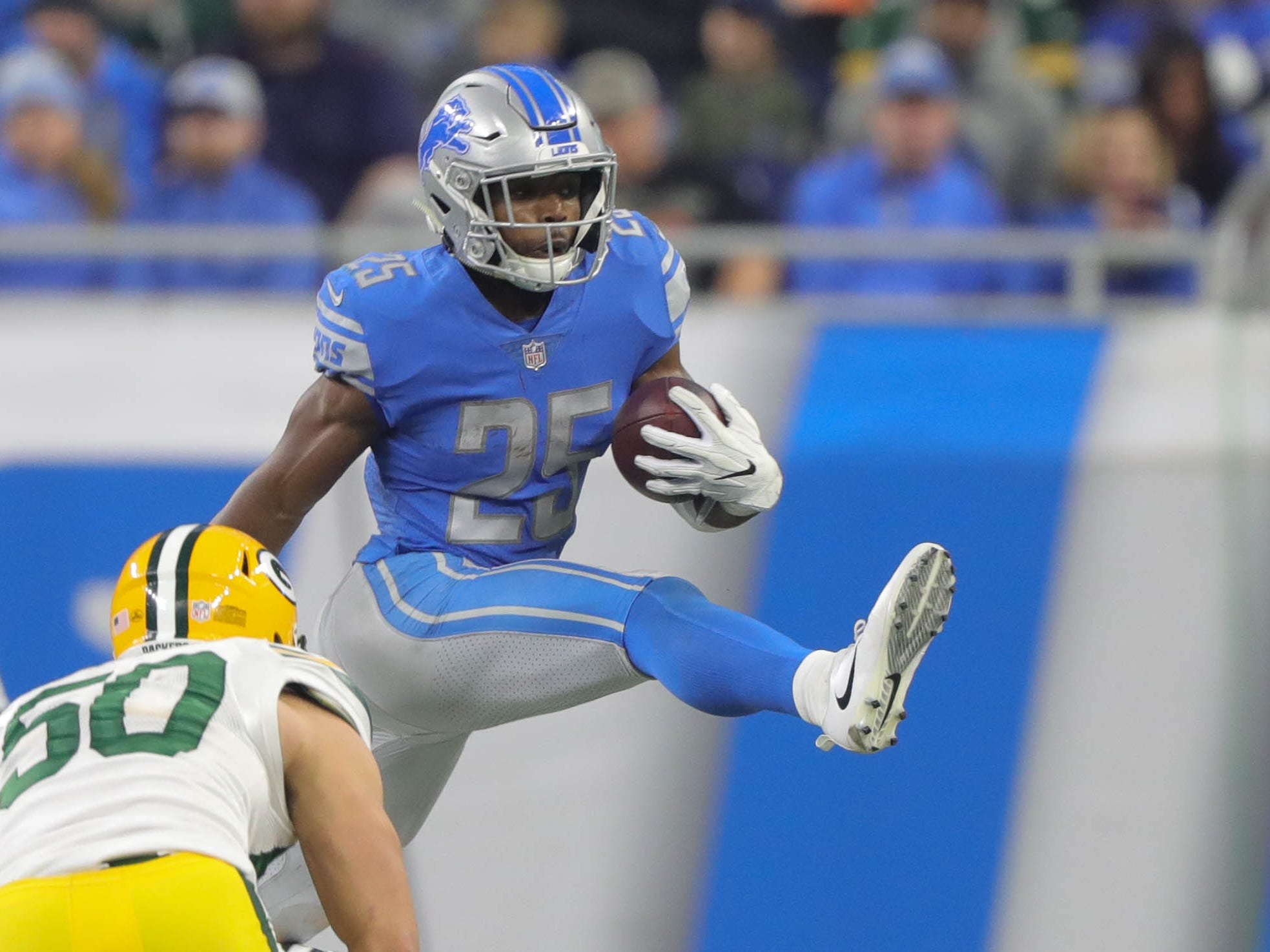 RB Theo Riddick. Overall: 84. Speed: 87. Awareness: 81. Acceleration: 90. Agility: 94.