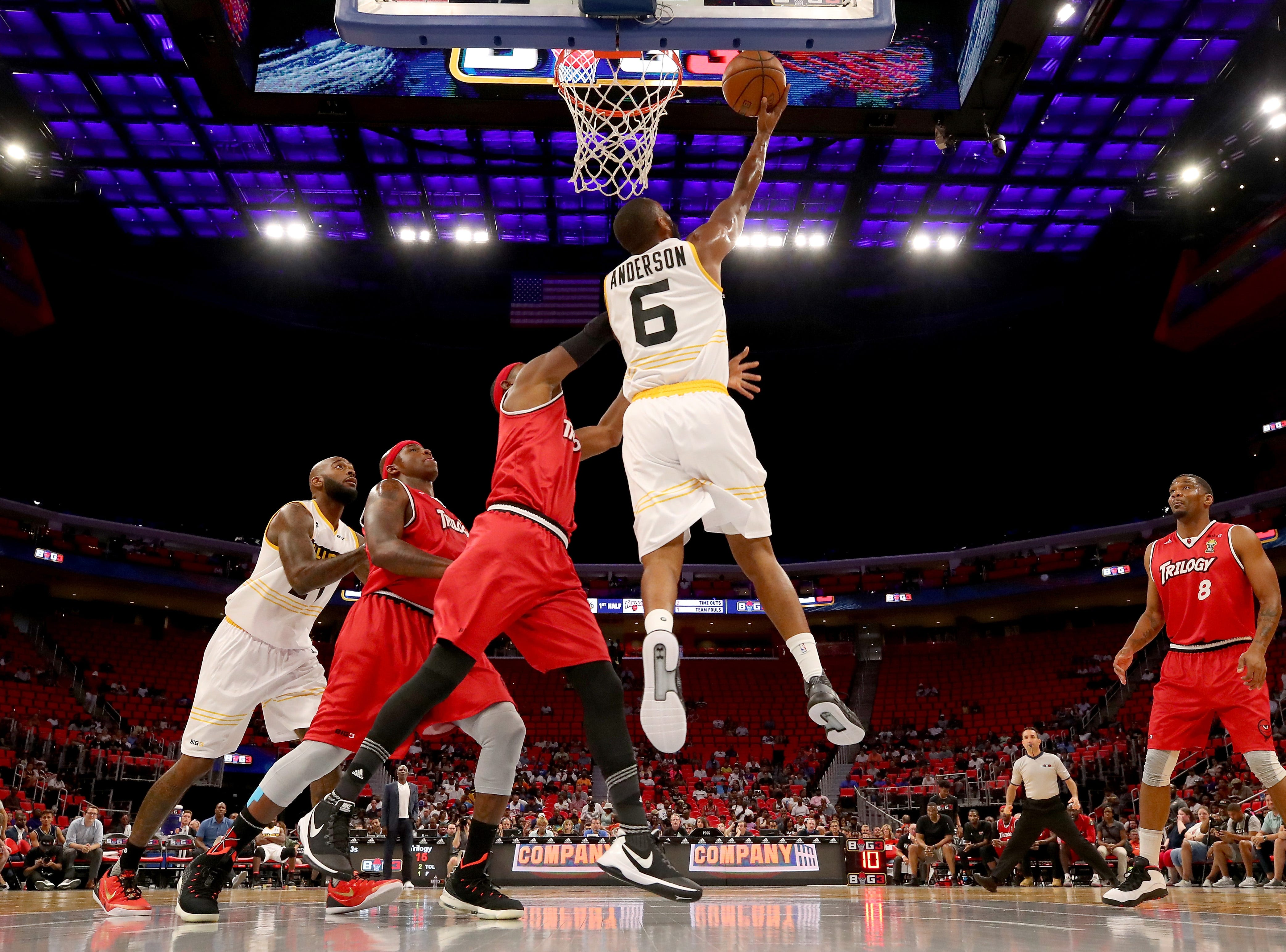 Alan Anderson of the Killer 3s attempts a shot past Derrick Byars, left, of Trilogy during BIG3 - Week Four at Little Caesars Arena on July 13, 2018 in Detroit.