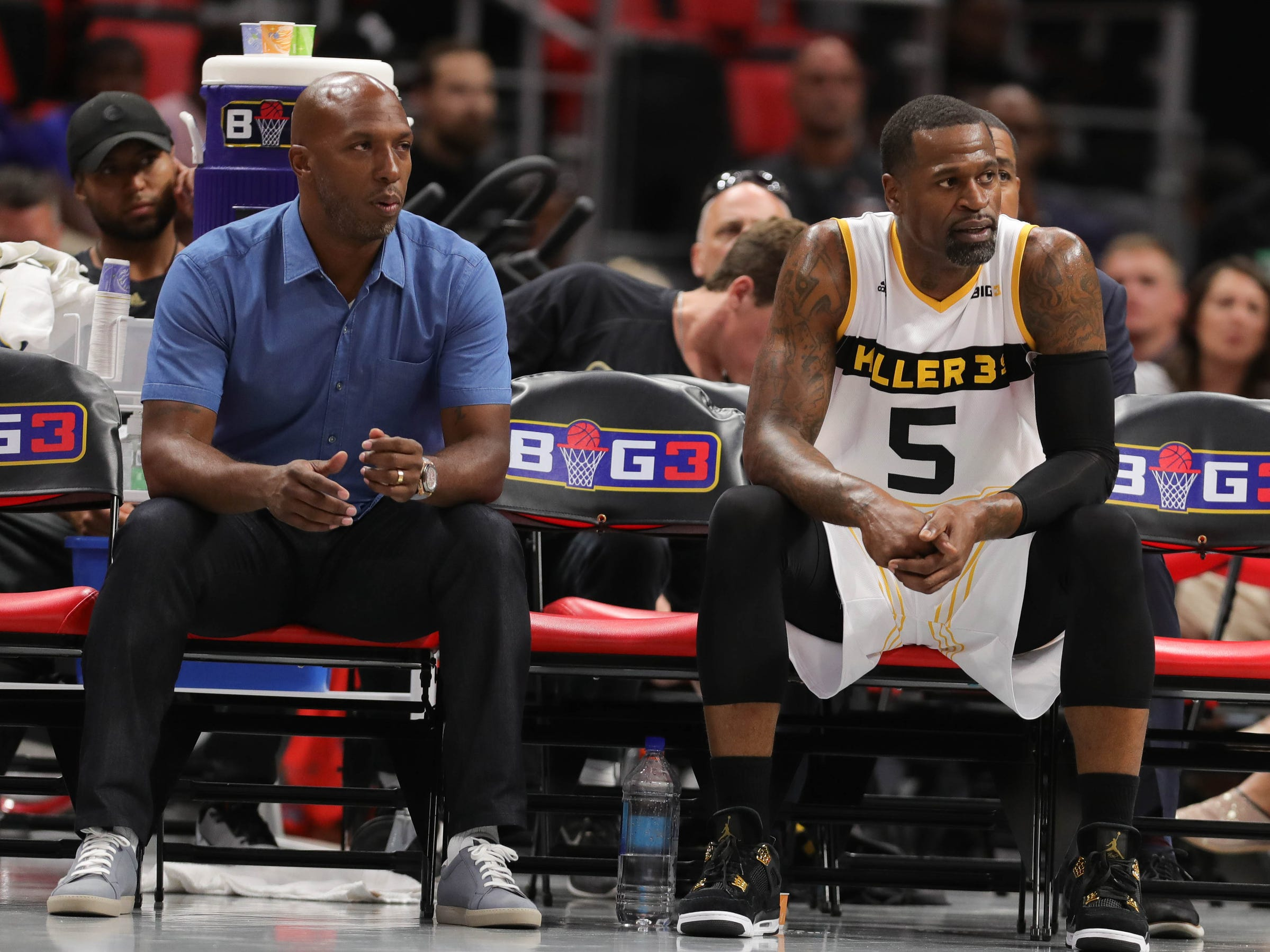 Chauncey Billups and Steven Jackson on the Killer 3s bench during BIG3 action against Trilogy on Friday, July 13, 2018 at Little Caesars Arena in Detroit.