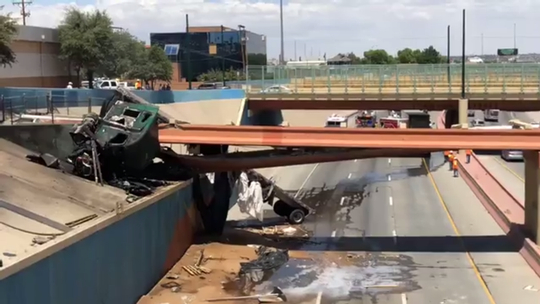 A tractor-trailer smashed into the overpass on I-10 West between Stanton and Mesa. The accident has shut down all westbound lanes of the highway.