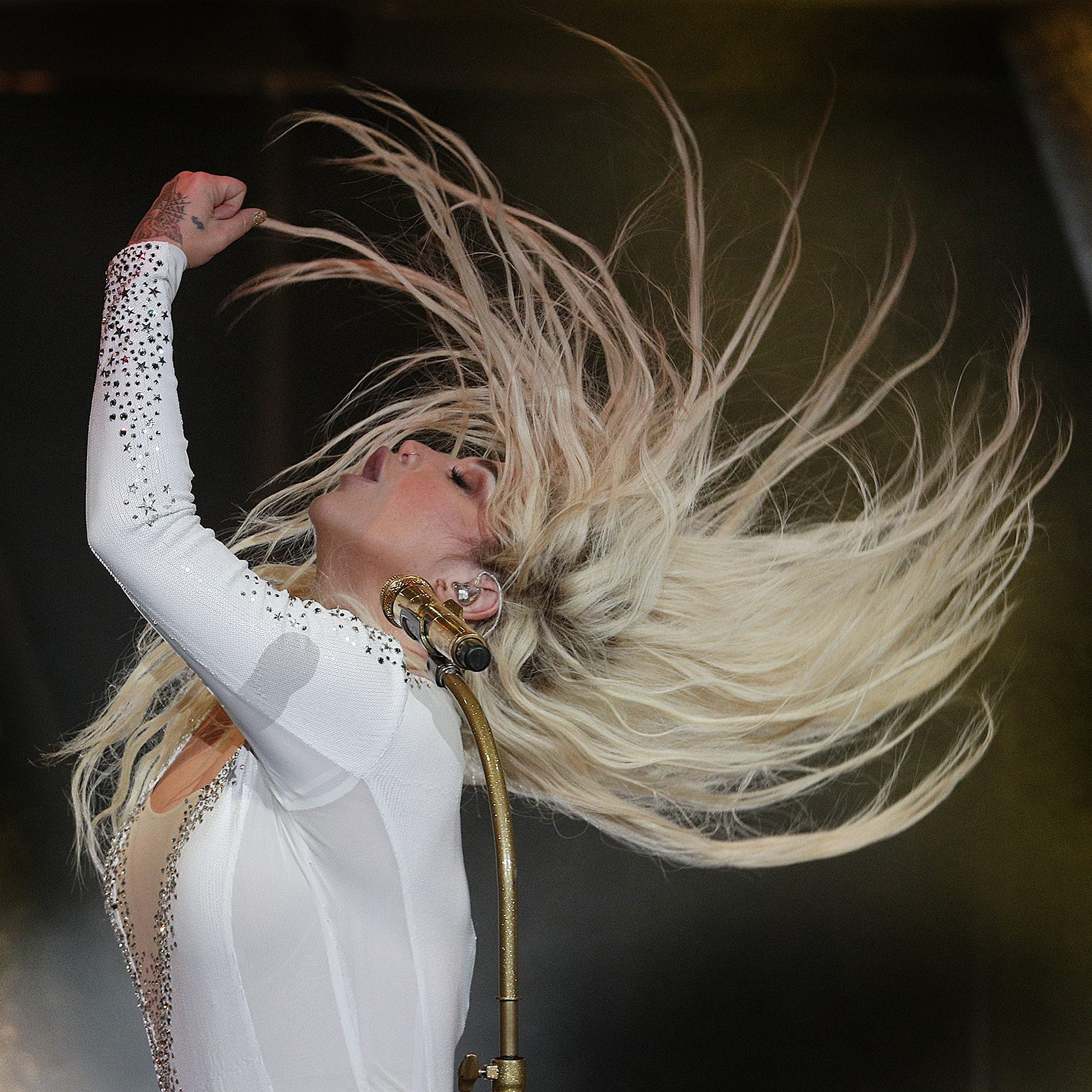 5 ways Kesha and Macklemore crafted a summer blockbuster at Ruoff