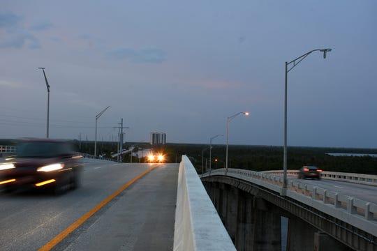 File: Jolley Bridge traffic.