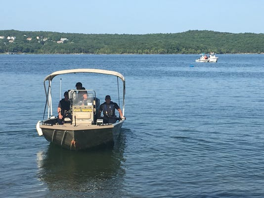 Dive Teams On Table Rock Lake After Duck Boat Incident2