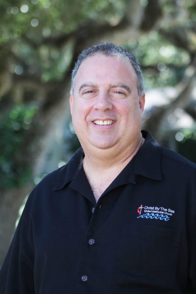 Dr. Marcos Daniel Flores