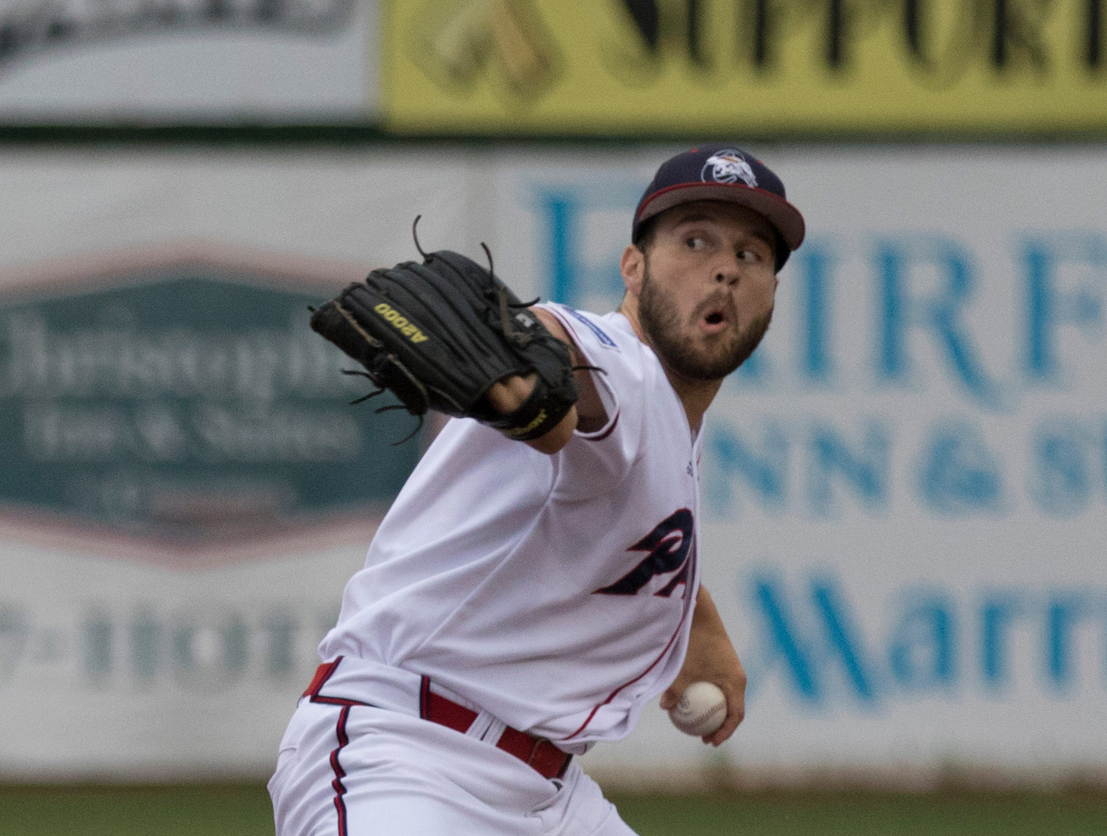 Chillicothe Paints pitcher Michael Jacob only gives up one hit as the Paints defeat the Hannibal Hoots 6-1.
