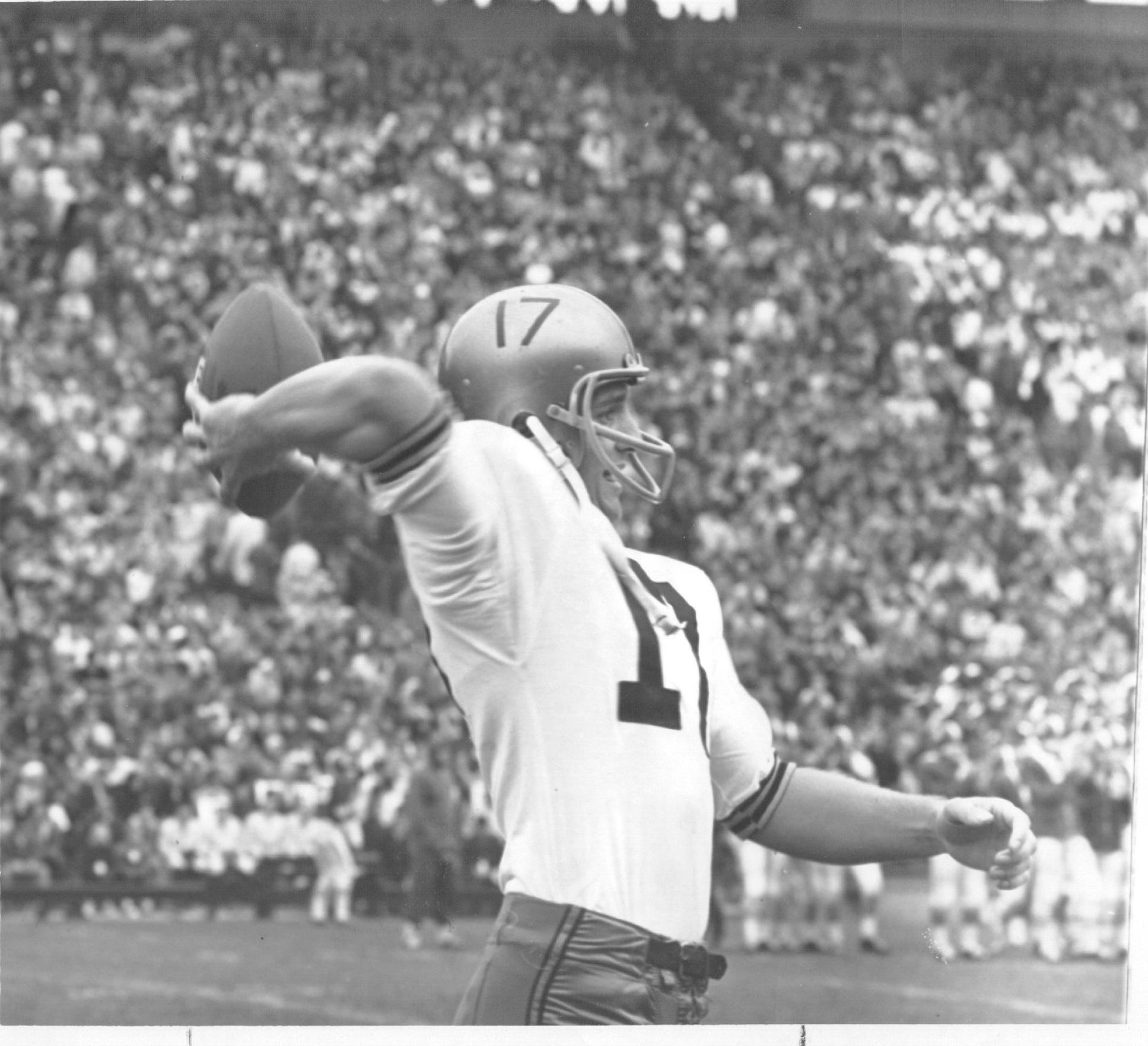 Ron DiGravio was the Big Ten Conferencre passing champion in 1963.