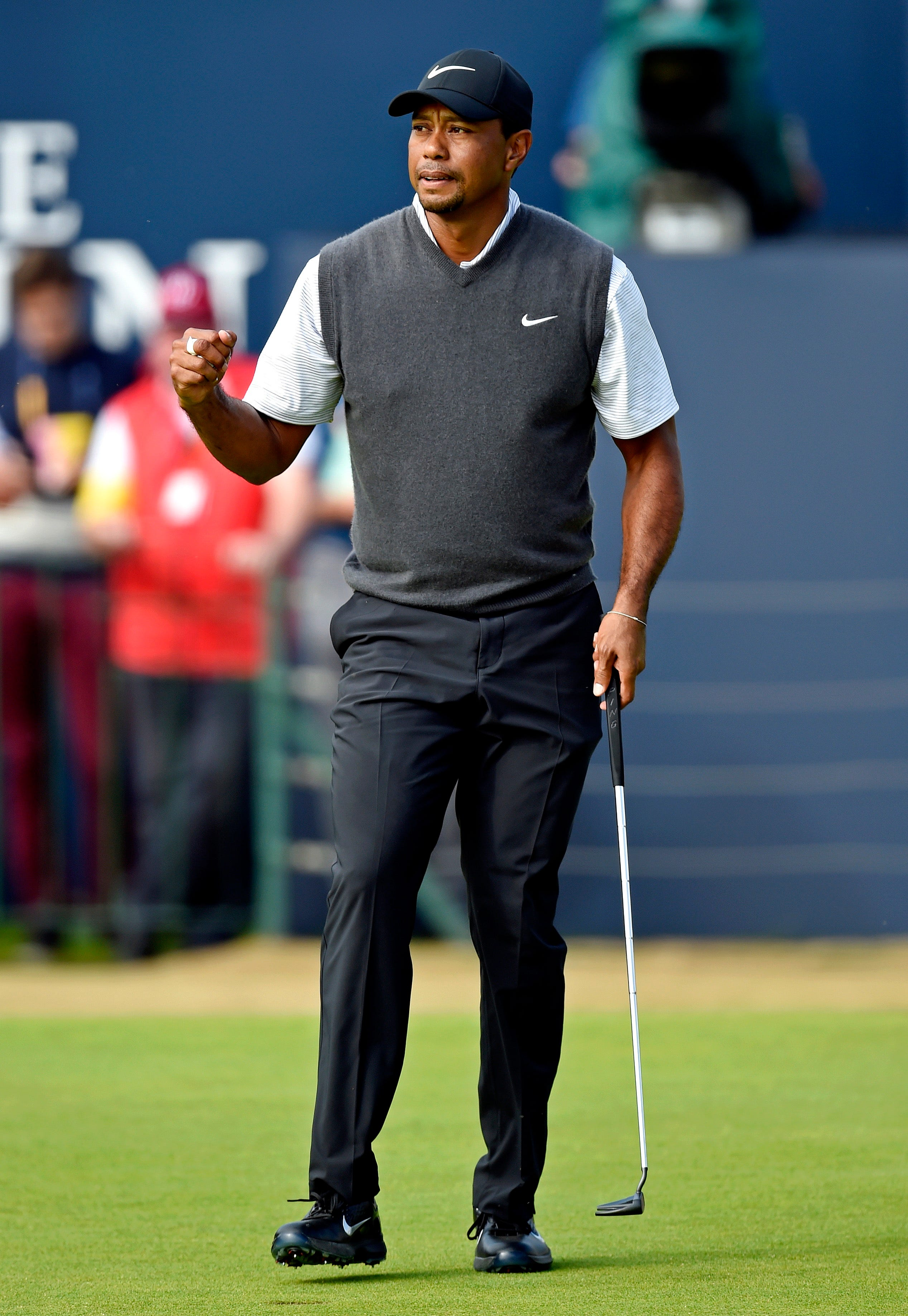 tiger woods makes huge climb in rankings after british open