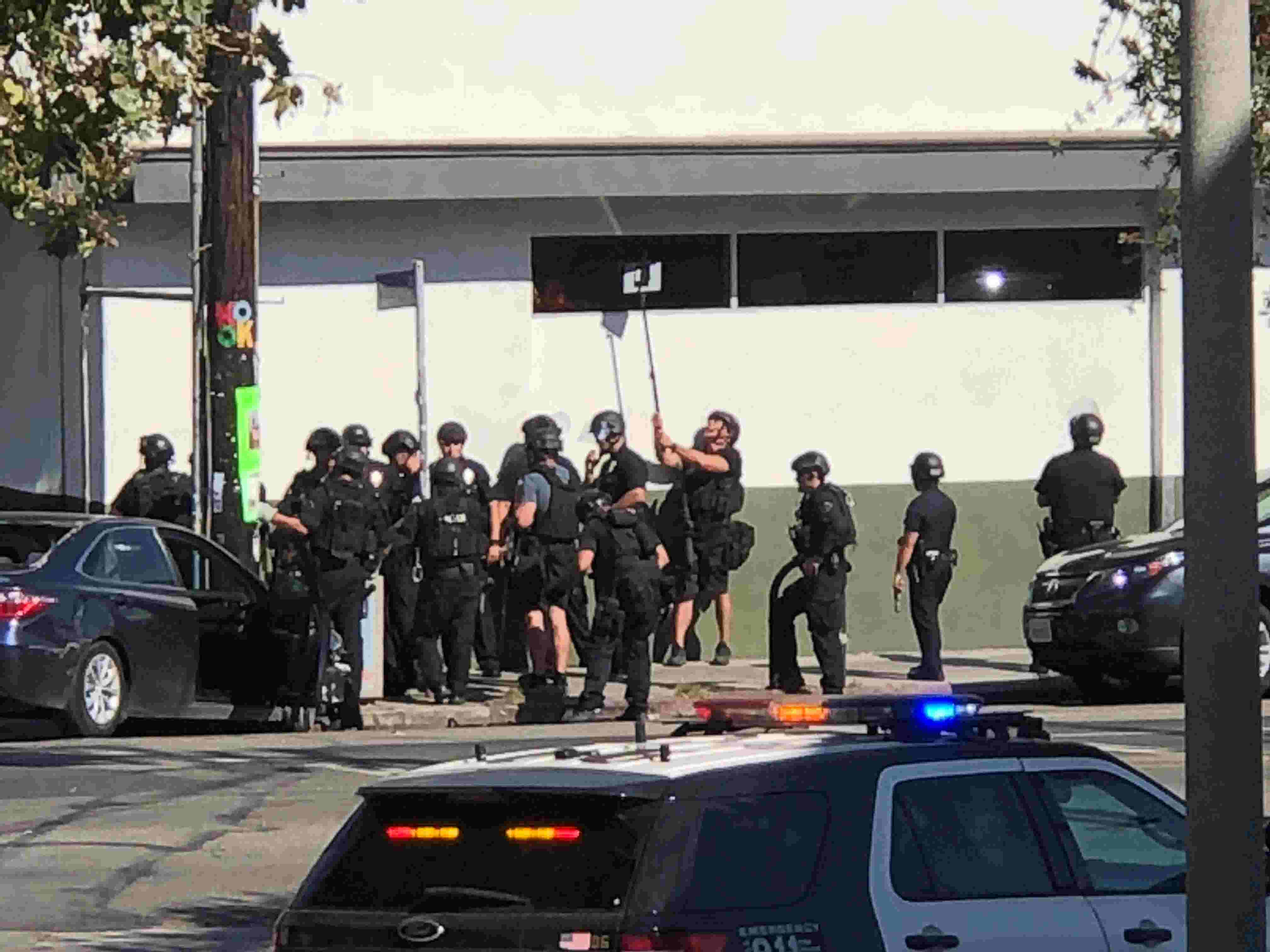 Los Angeles Trader Joe\'s standoff: Woman killed, injured suspect in ...
