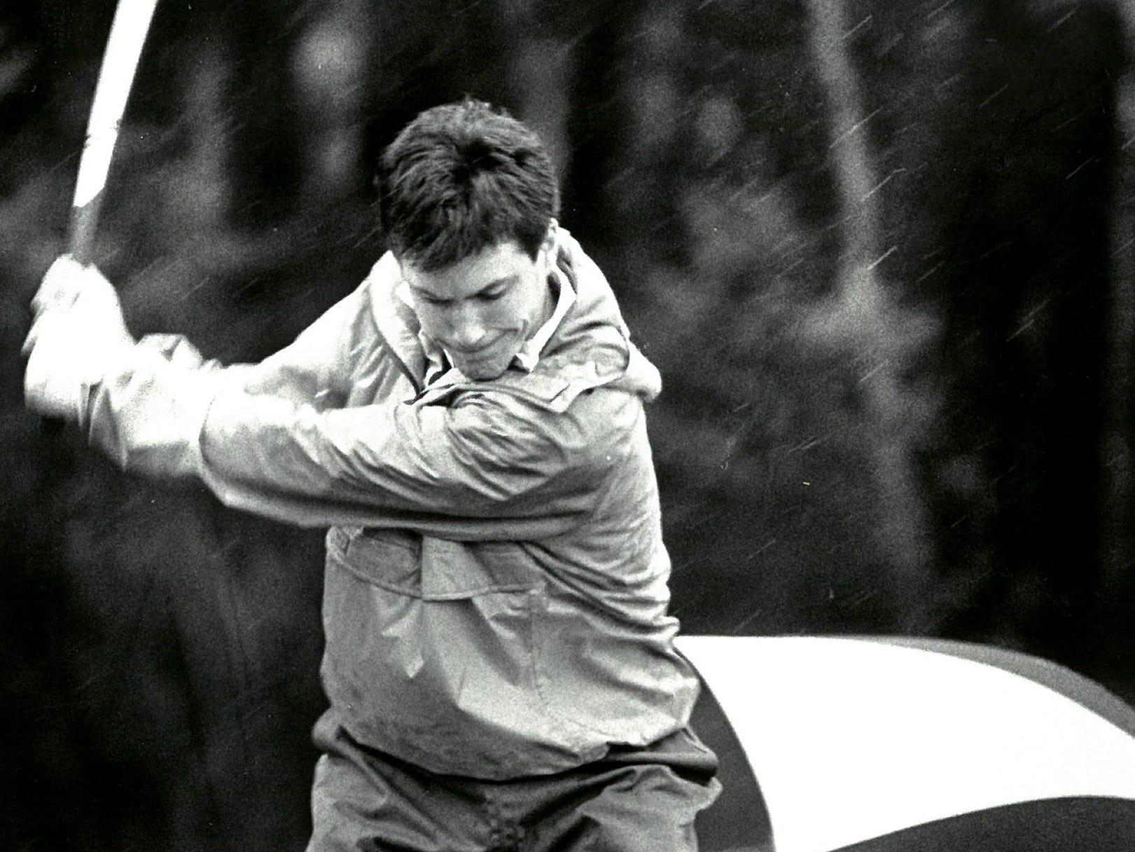 1988Rainy Day Golfer