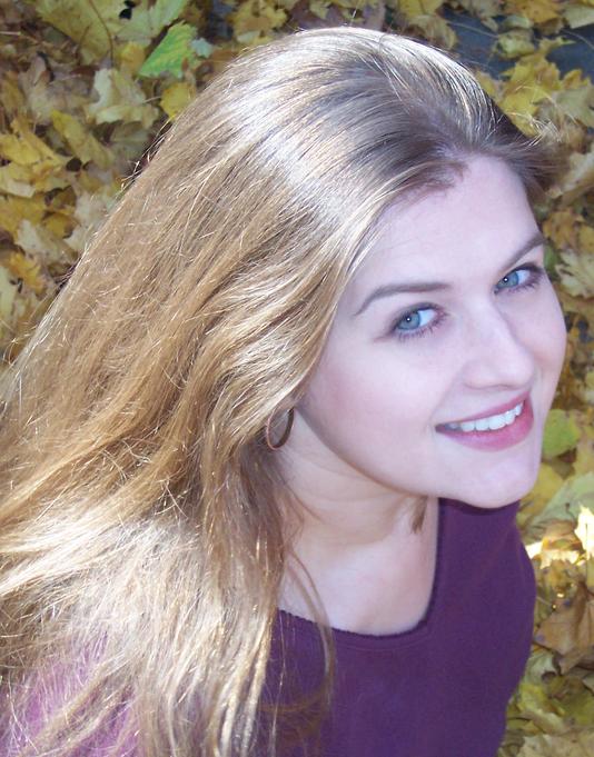 Rhode Alissa Headshot Portrait Crop