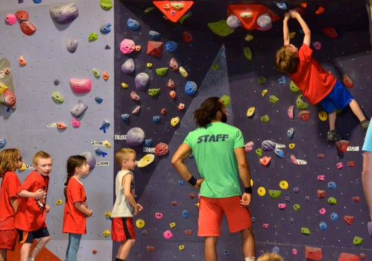 20019941A 07/02/2016 Northvale, NJ. HIGH EXPOSURE'S 1st annual ninja kids competition. Little ninja warriors are climbing . Carl Su/Staff photographer