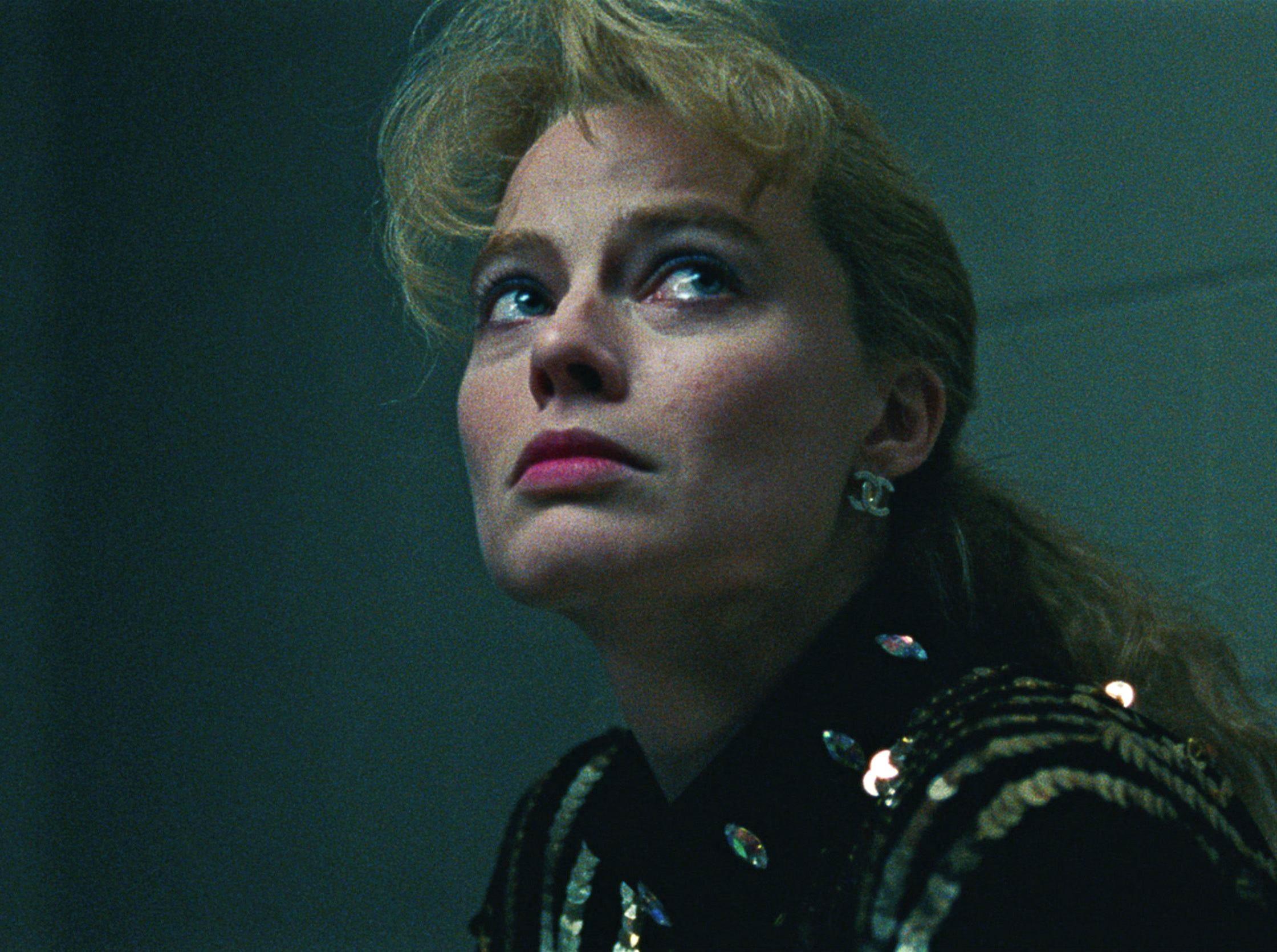 Margot Robbie plays polarizing figure skater Tonya Harding in the darkly comic biopic 'I, Tonya.'