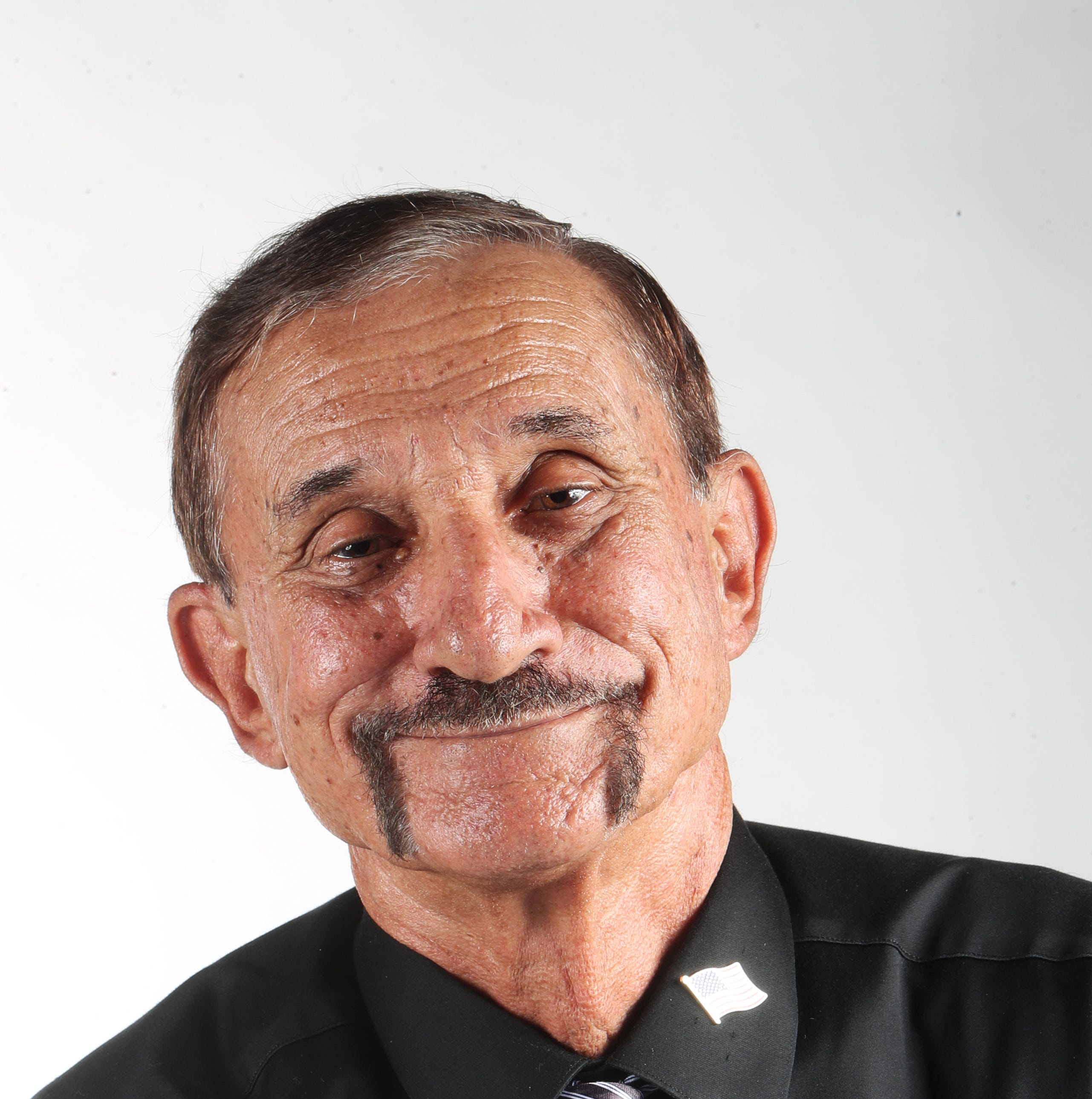 Lee County school board candidate Louis Navarra arrested in Cape Coral